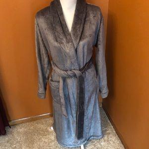 NEW Gilligan & O'Malley grey glittery robe.